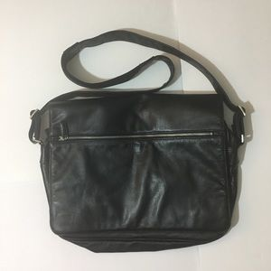 KENNETH COLE black leather messenger bag